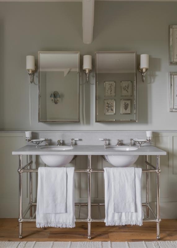 Kent - Master Bathroom