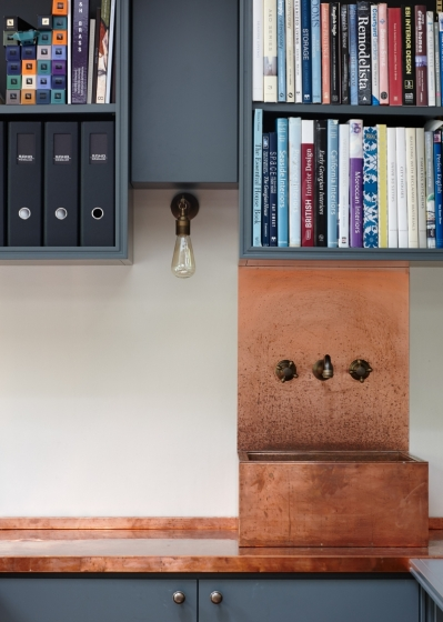 Notting Hill Studio - Bookcase and Sink