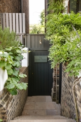 Notting Hill Studio - Entrance Gate